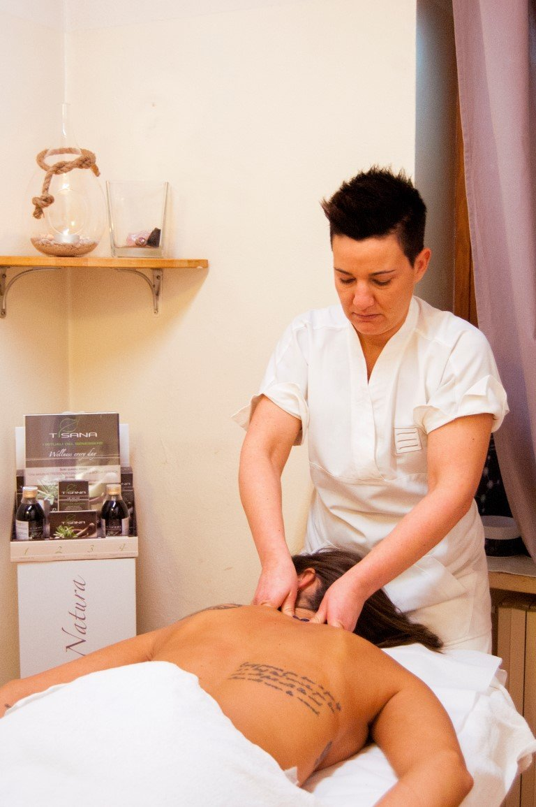 Elisa Massaggi corpo